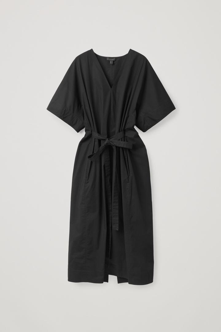 COS hover image 2 of 블랙 in 벨티드 카프탄 드레스