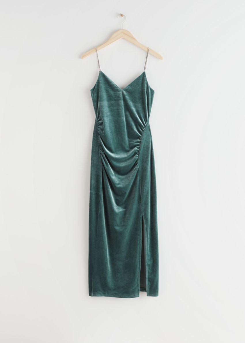 앤아더스토리즈 피티드 벨루어 라인스톤 스트랩 미디 드레스의 그린컬러 Product입니다.