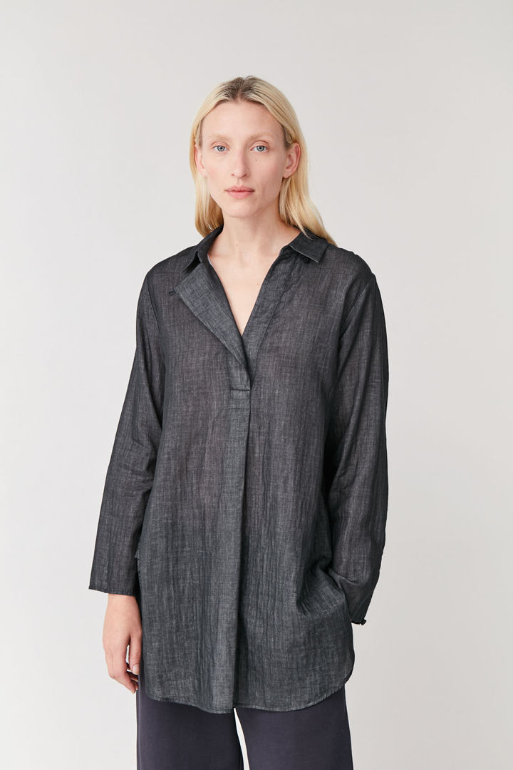 COS default image 2 of 블랙 in 오버사이즈 라이트웨이트 셔츠
