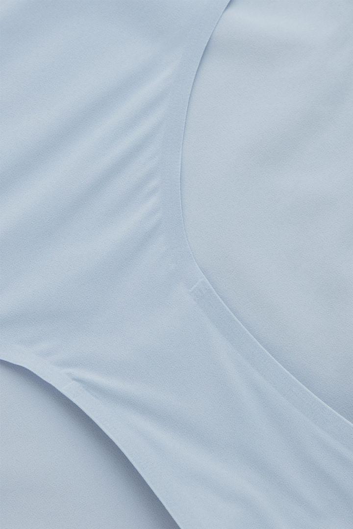 COS 비키니 브리프의 블루컬러 Detail입니다.