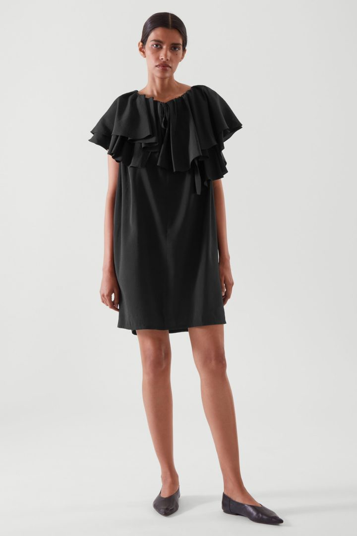 COS default image 9 of  in 러플드 튜닉 드레스