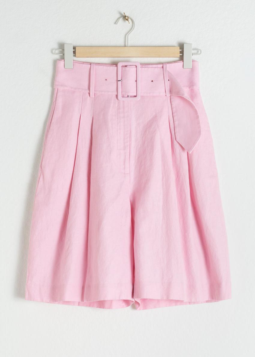 앤아더스토리즈 벨티드 리넨 블렌드 버뮤다 쇼츠의 핑크컬러 Product입니다.