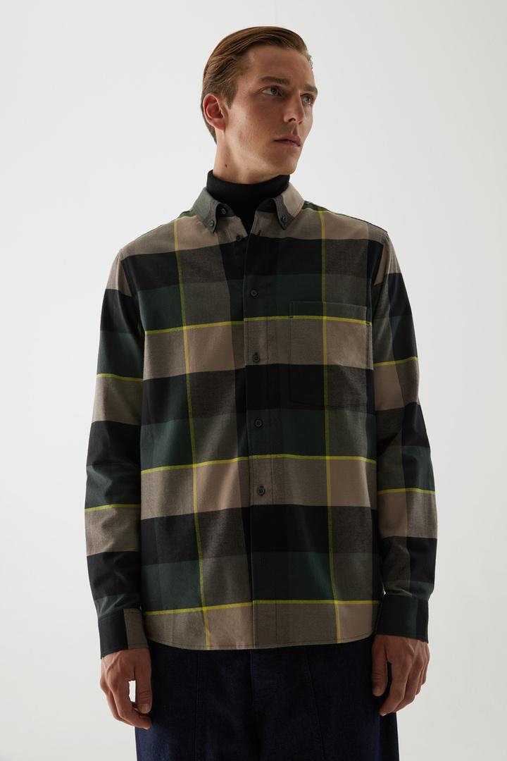 COS default image 1 of 브라운 in 플란넬 체크 셔츠