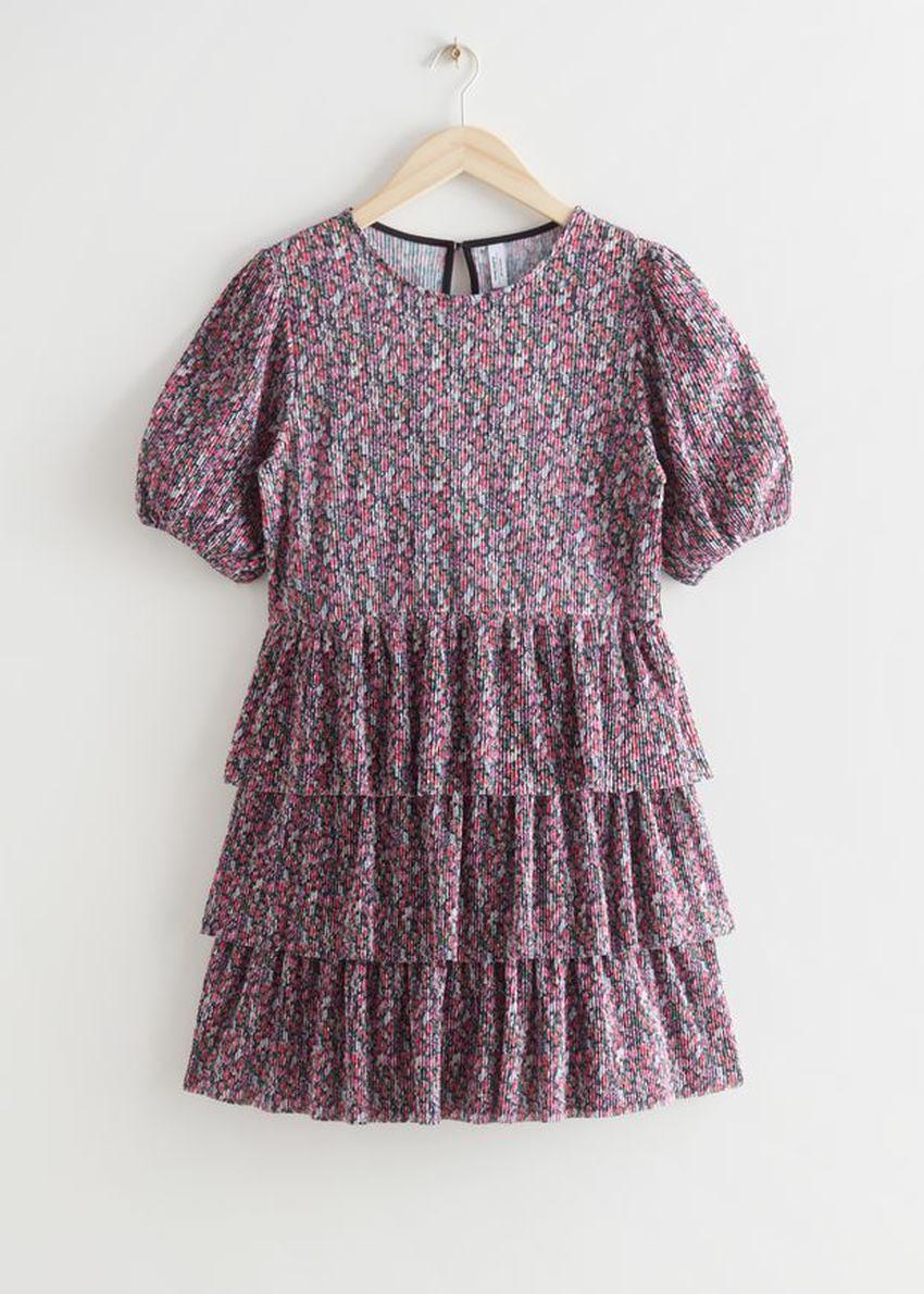 앤아더스토리즈 티어드 프린트 미니 드레스의 퍼플 프린트컬러 Product입니다.