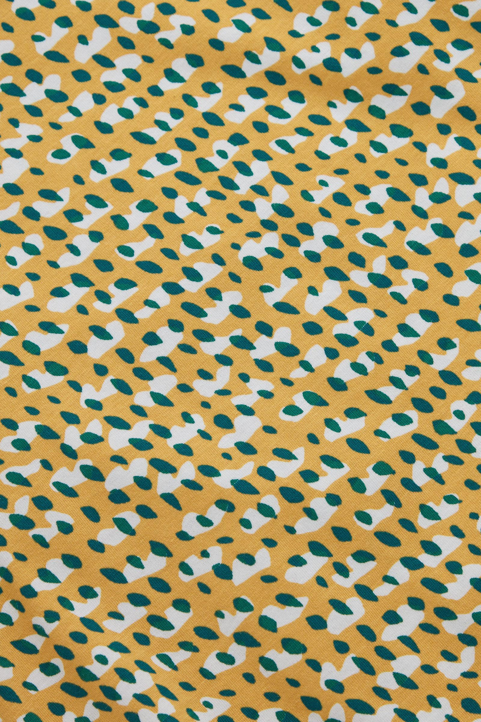 COS 프린티드 오가닉 코튼 티셔츠의 옐로우 / 그린 / 화이트컬러 Detail입니다.