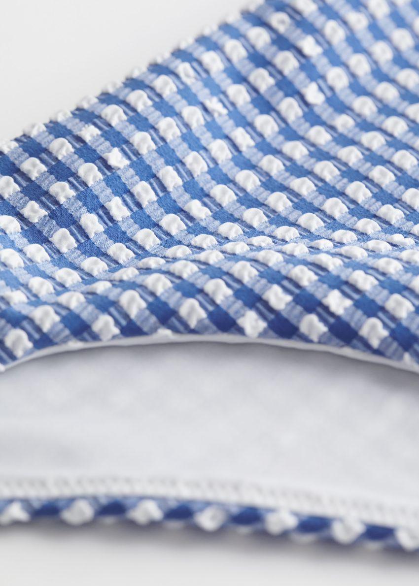 앤아더스토리즈 시어서커 비키니 브리프의 블루 체크컬러 Detail입니다.