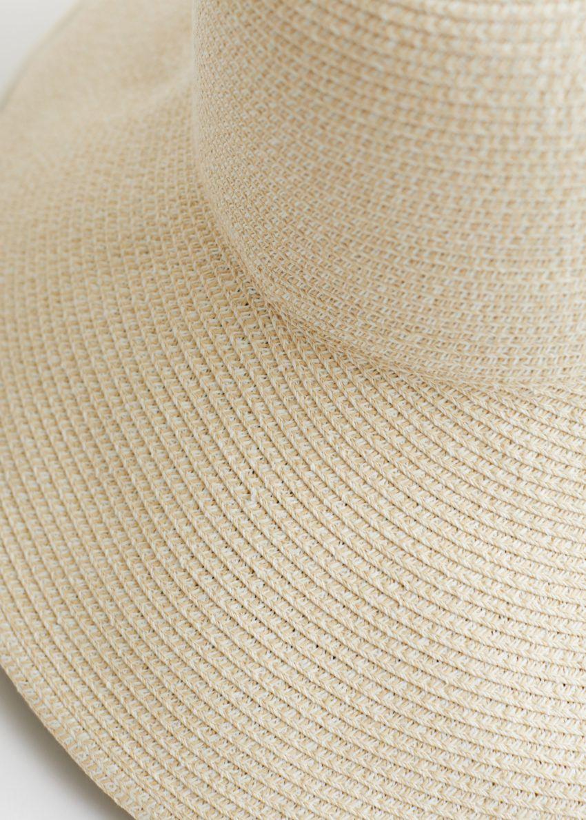 앤아더스토리즈 와이드 브림 스트로 리본 햇의 화이트컬러 Detail입니다.