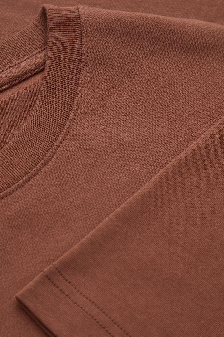 COS 오버사이즈 핏 티셔츠의 브라운컬러 Detail입니다.