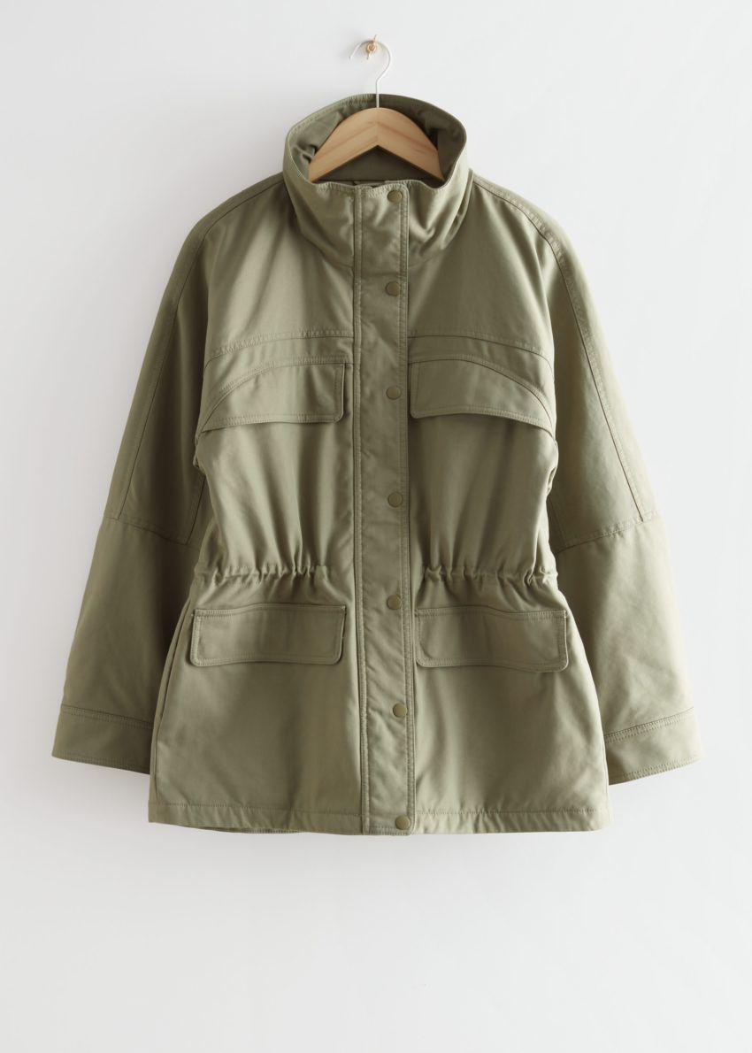앤아더스토리즈 오버사이즈 코튼 재킷의 카키컬러 Product입니다.