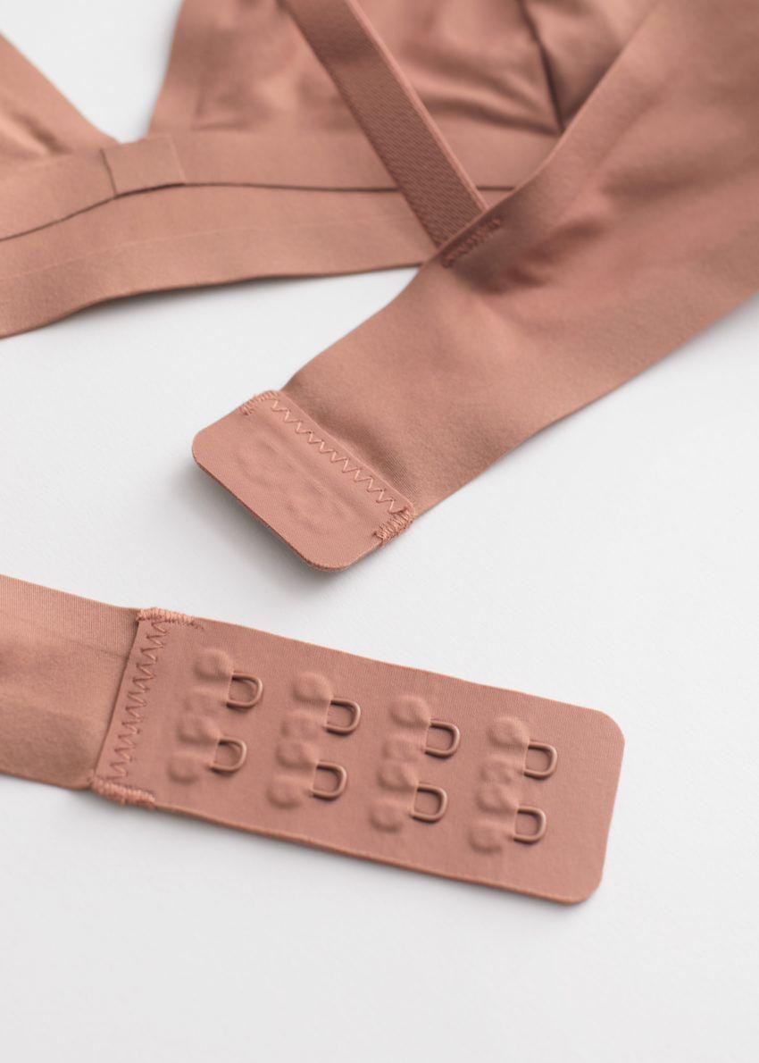 앤아더스토리즈 심리스 소프트 트라이앵글 브라의 브라운컬러 Product입니다.