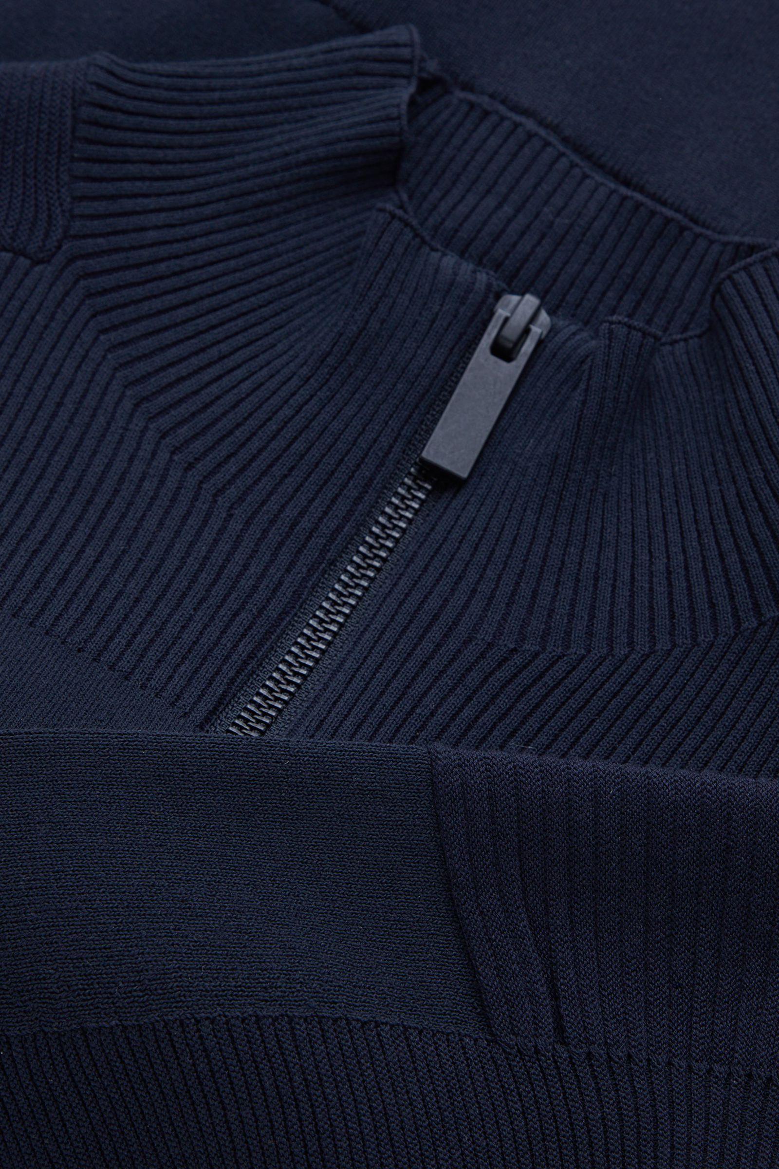 COS 오가닉 코튼 믹스 엔지니어 재킷의 네이비컬러 Detail입니다.