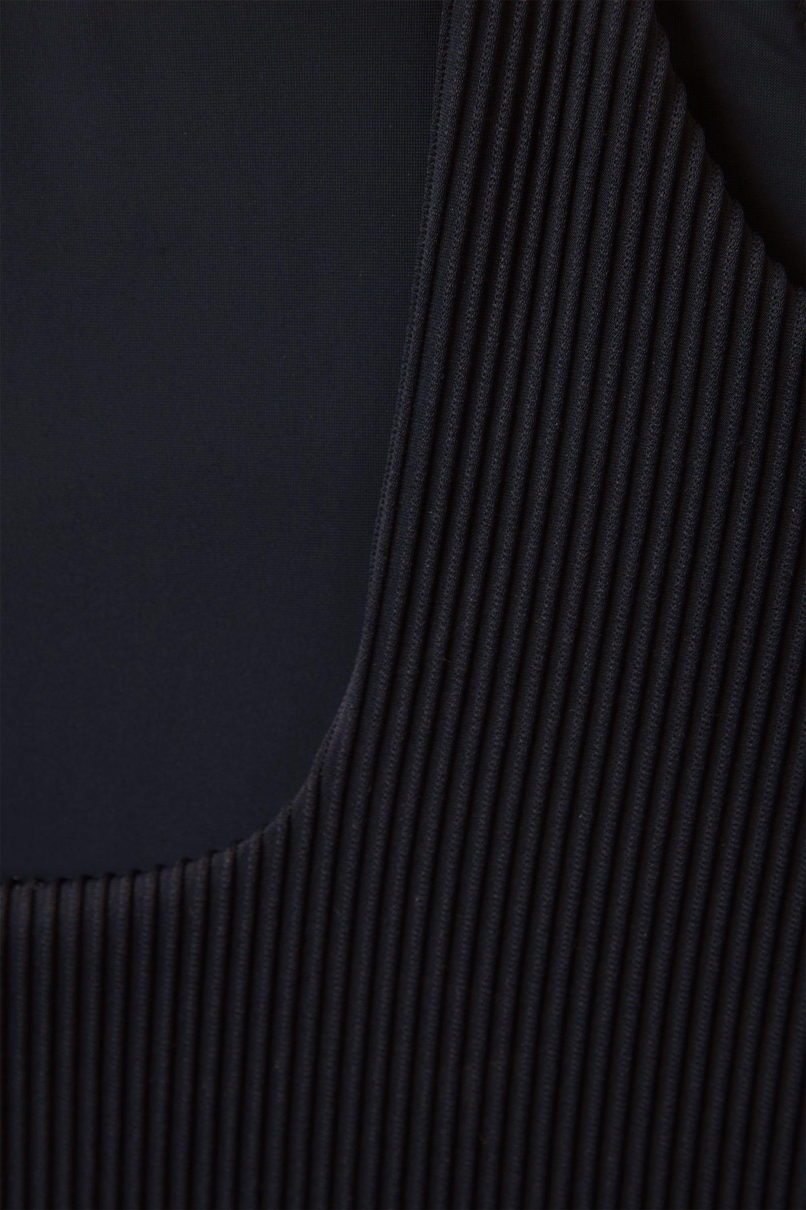 COS 오픈백 스윔수트의 블루컬러 Detail입니다.