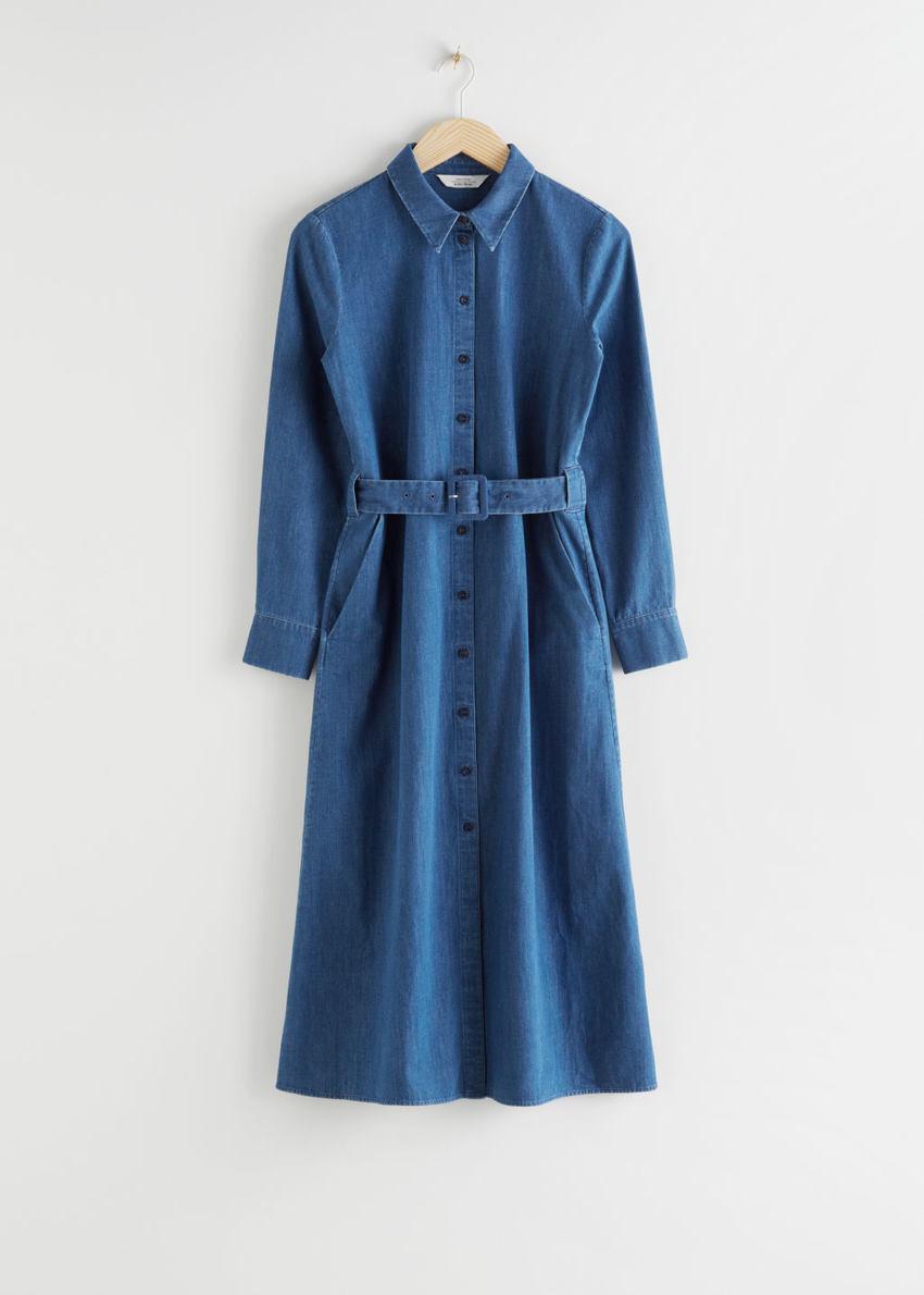 앤아더스토리즈 벨티드 미디 드레스의 블루컬러 Product입니다.