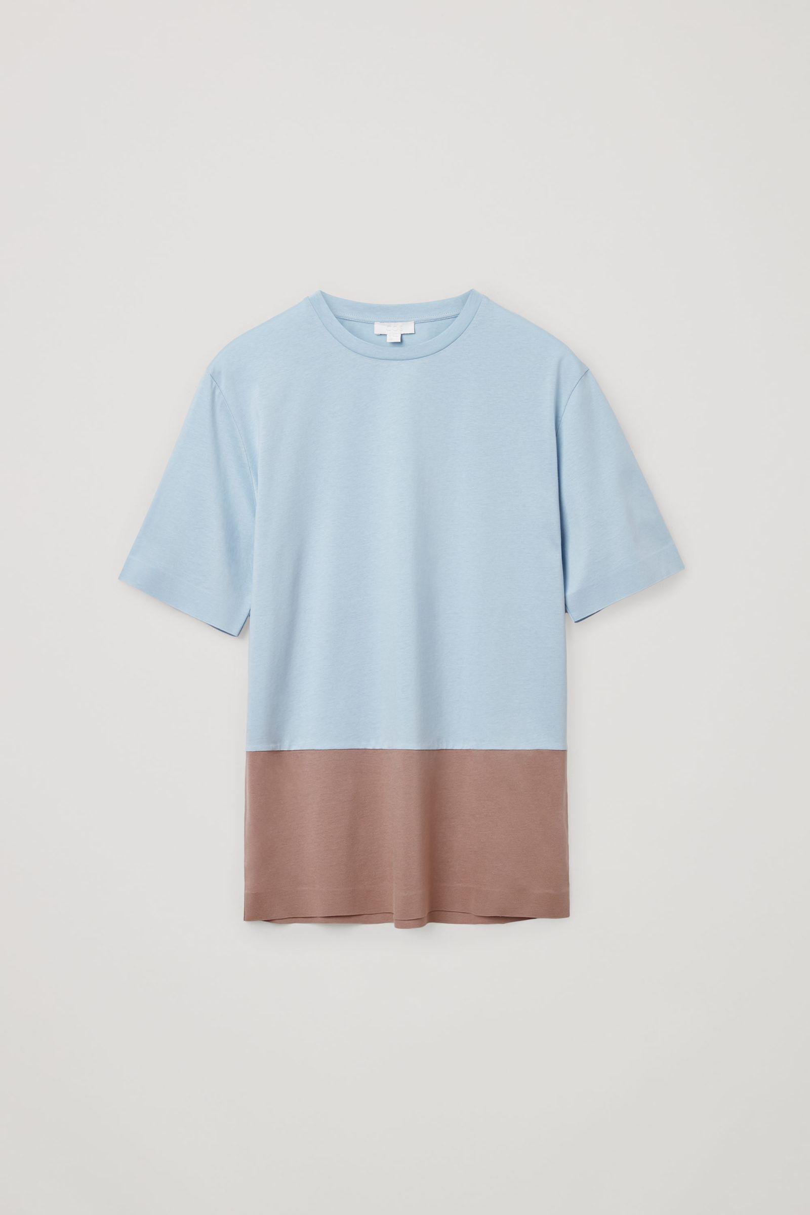 COS 본디드 코튼 티셔츠의 라이트 블루 / 브라운컬러 Product입니다.