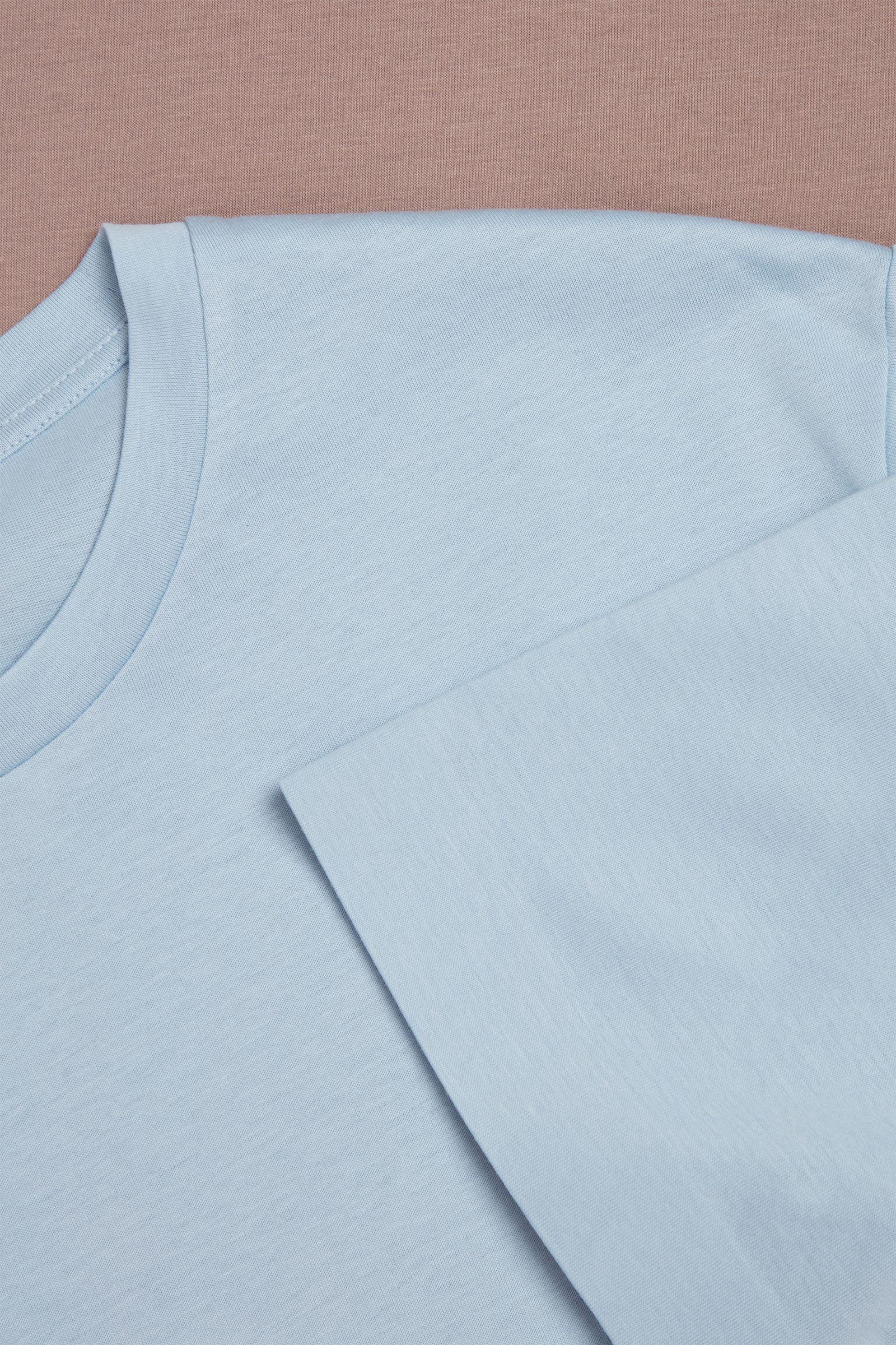 COS 본디드 코튼 티셔츠의 라이트 블루 / 브라운컬러 Detail입니다.