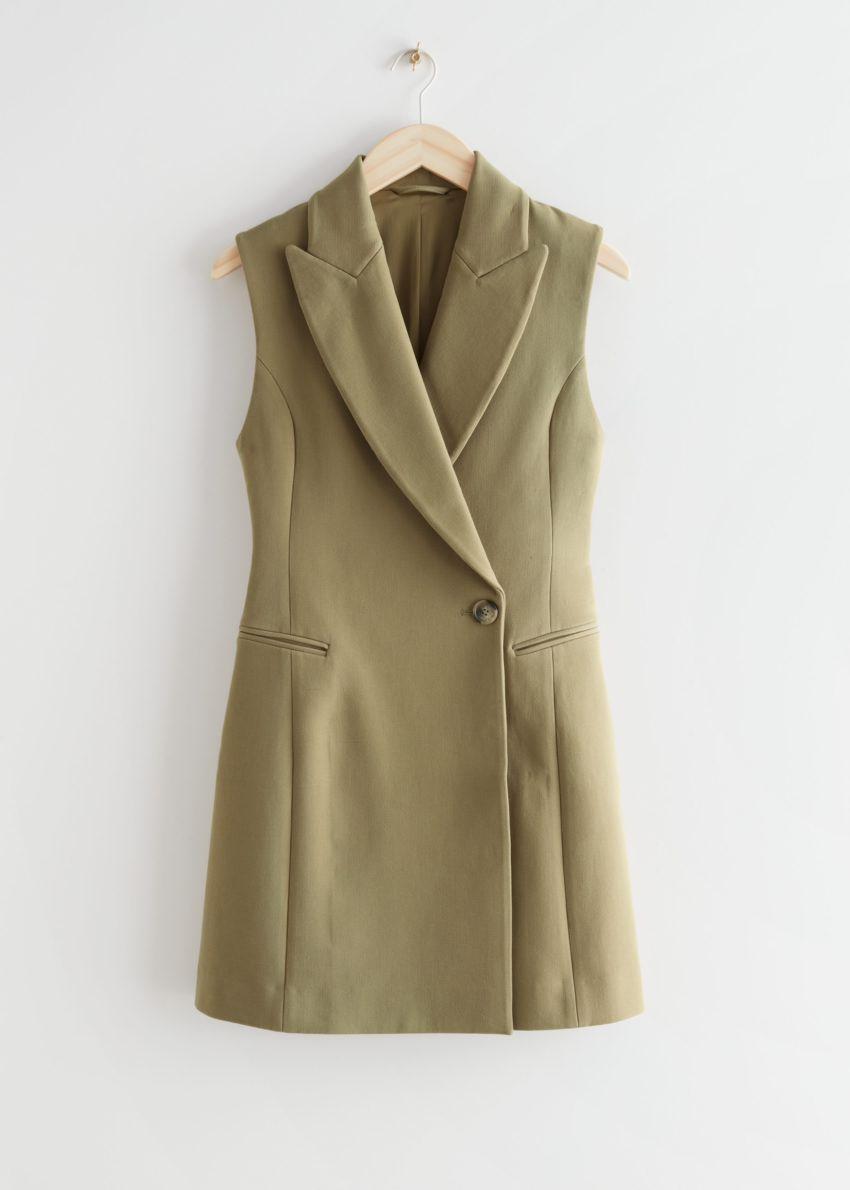 앤아더스토리즈 피티드 슬리브리스 블레이저 미니 드레스의 카키컬러 Product입니다.