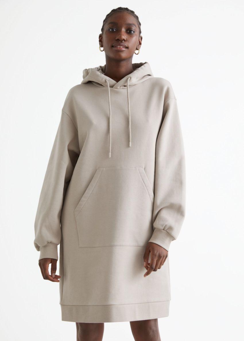 앤아더스토리즈 릴렉스드 드로스트링 후디 미니 드레스의 몰컬러 ECOMLook입니다.