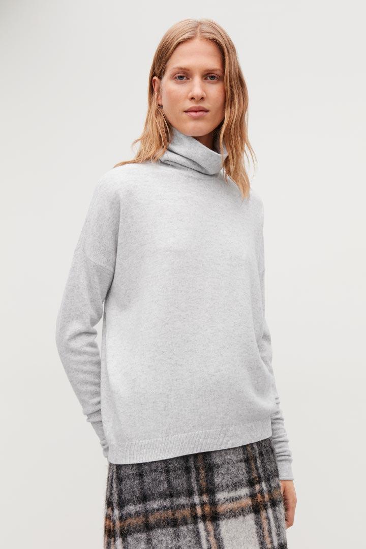 COS default image 11 of 그레이 in 롤넥 캐시미어 스웨터