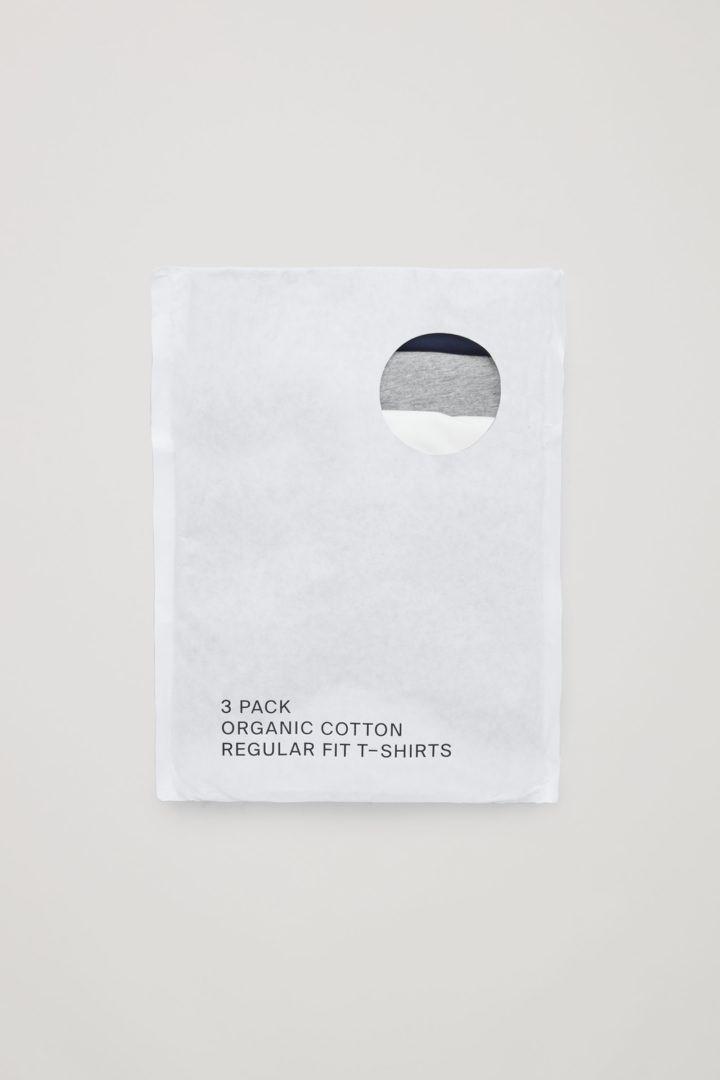 COS 레귤러 핏 티셔츠 3팩의 다크 블루컬러 Product입니다.