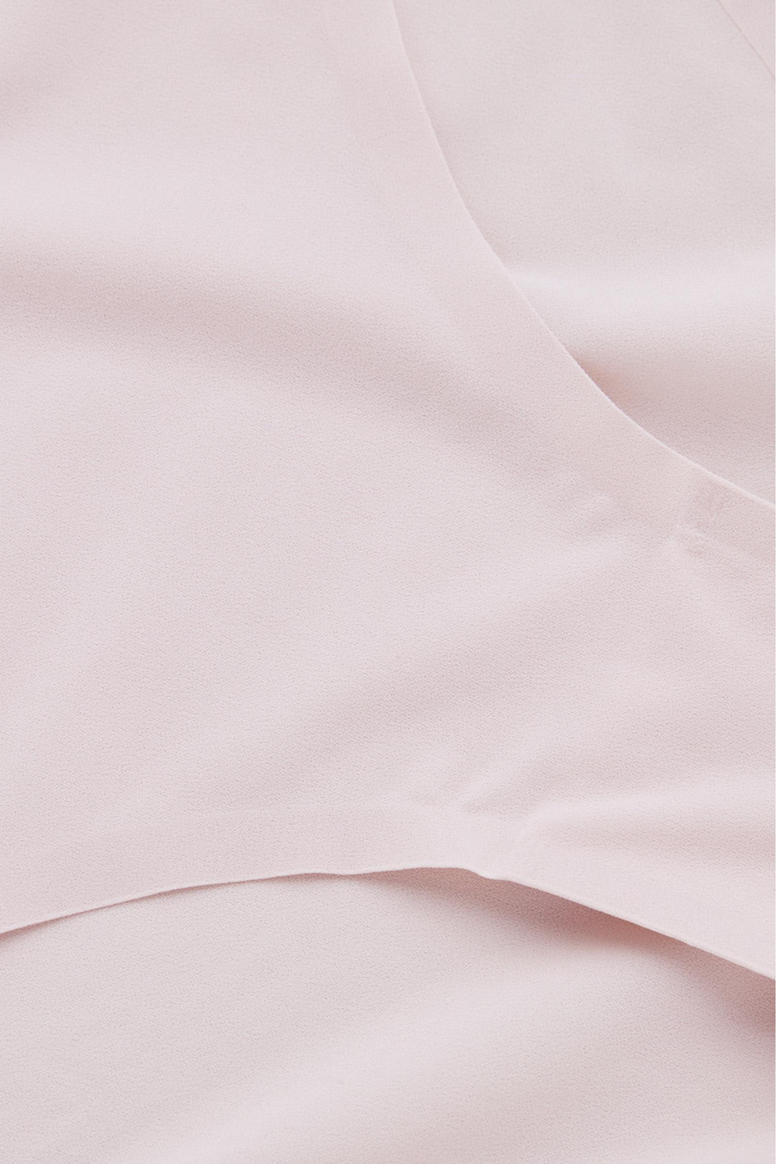COS 스트레치 니커즈의 핑크컬러 Detail입니다.