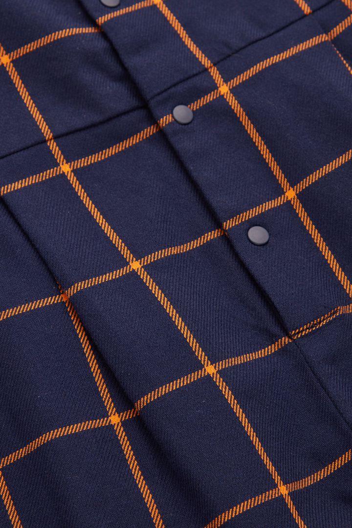 COS 코튼 체크 와이드 레그 점프수트의 네이비 / 브라이트 오렌지컬러 Detail입니다.