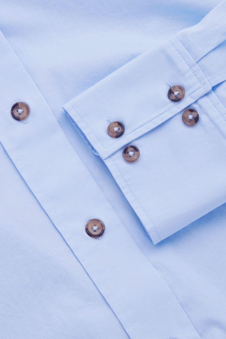 COS 오버사이즈 셔츠 의 라이트 블루컬러 Detail입니다.