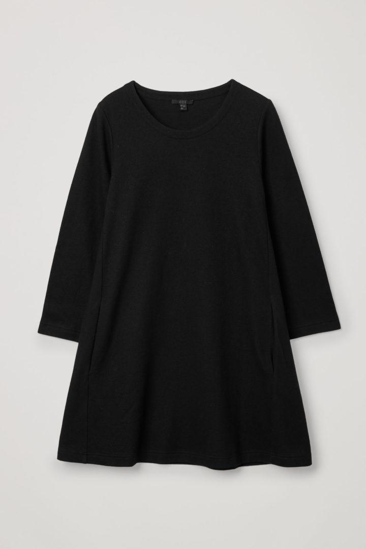 COS 메리노 울 오가닉 코튼 믹스 A라인 드레스의 블랙컬러 Product입니다.