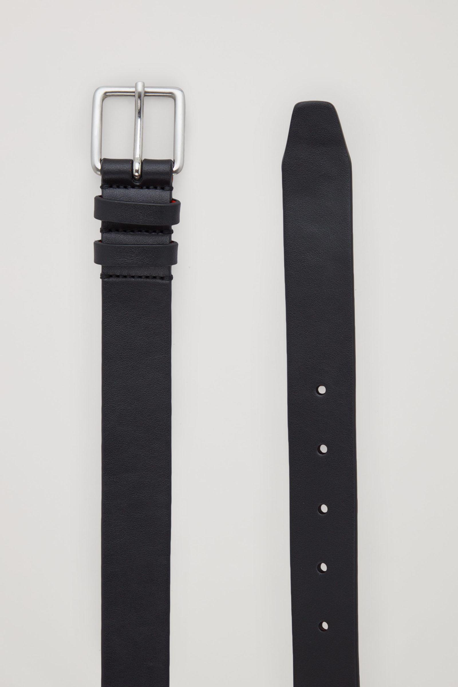 COS 투톤 레더 벨트의 블랙 / 오렌지컬러 Product입니다.
