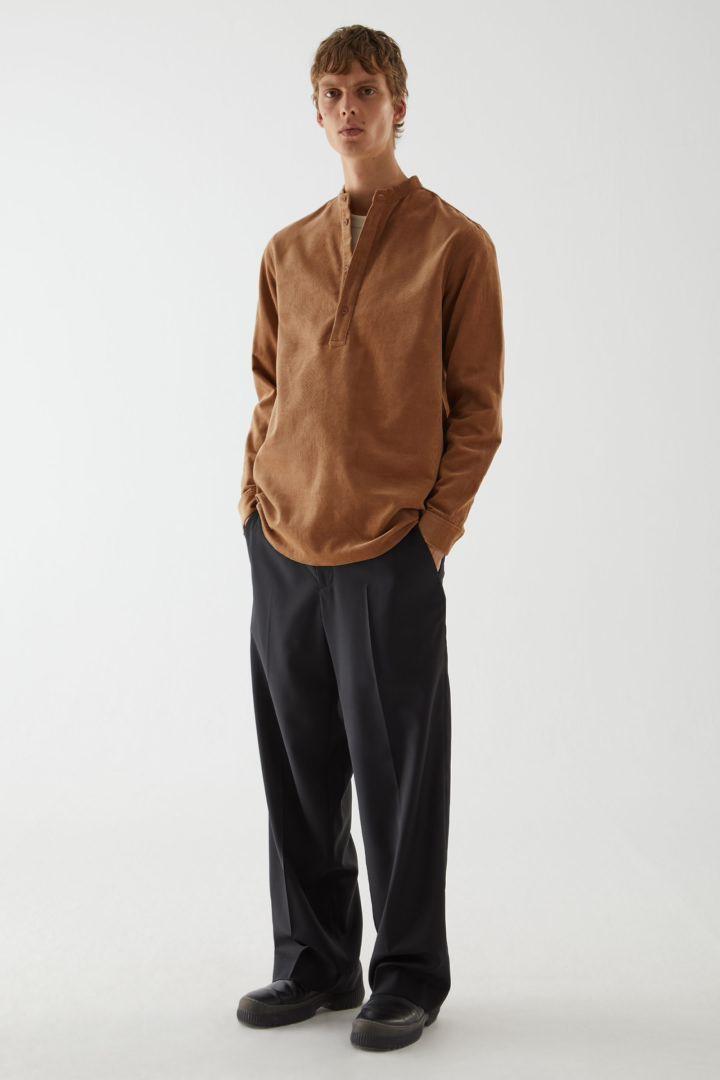 COS default image 9 of  in 코튼 코듀로이 튜닉 스타일 셔츠