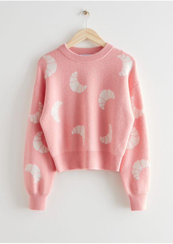 &OS image 14 of 핑크 in 니트 크로와상 모티브 스웨터