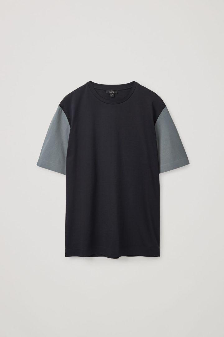 COS 본디드 코튼 티셔츠의 네이비 / 그레이컬러 Product입니다.