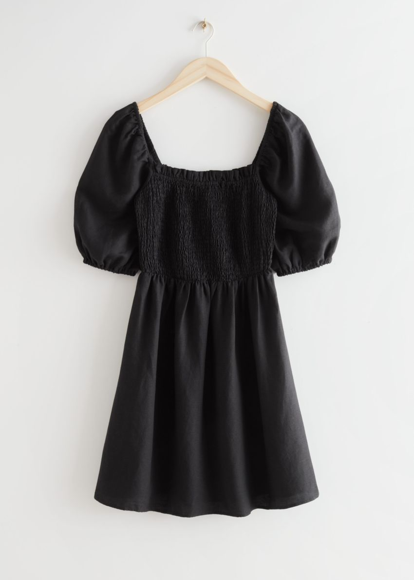 앤아더스토리즈 리넨 퍼프 슬리브 미니 드레스의 블랙컬러 Product입니다.