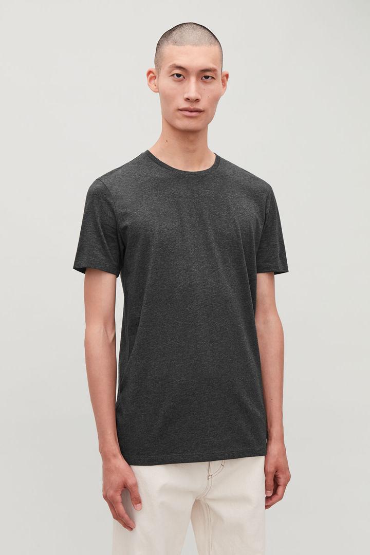 COS default image 7 of 블랙 in 라운드 넥 티셔츠