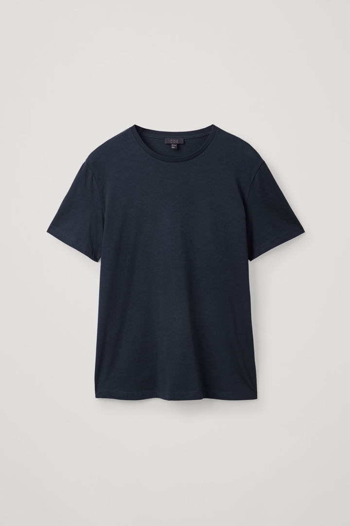 COS hover image 9 of 블루 in 라운드 넥 티셔츠