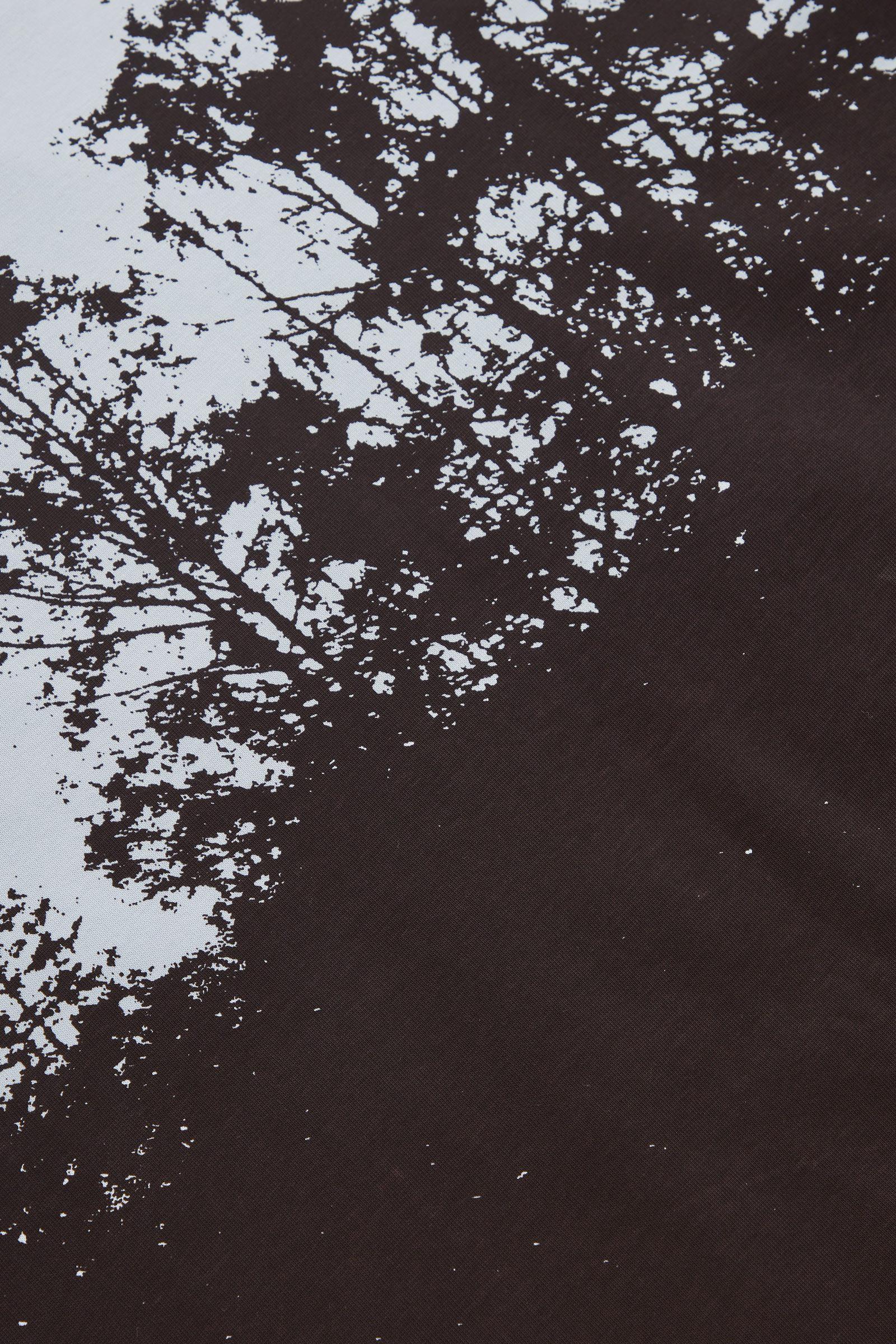COS 포토 프린트 티셔츠의 라이트 블루컬러 Detail입니다.