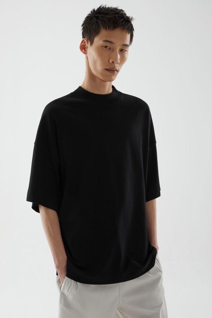 COS default image 6 of 블랙 in 오버사이즈 박시 코튼 티셔츠