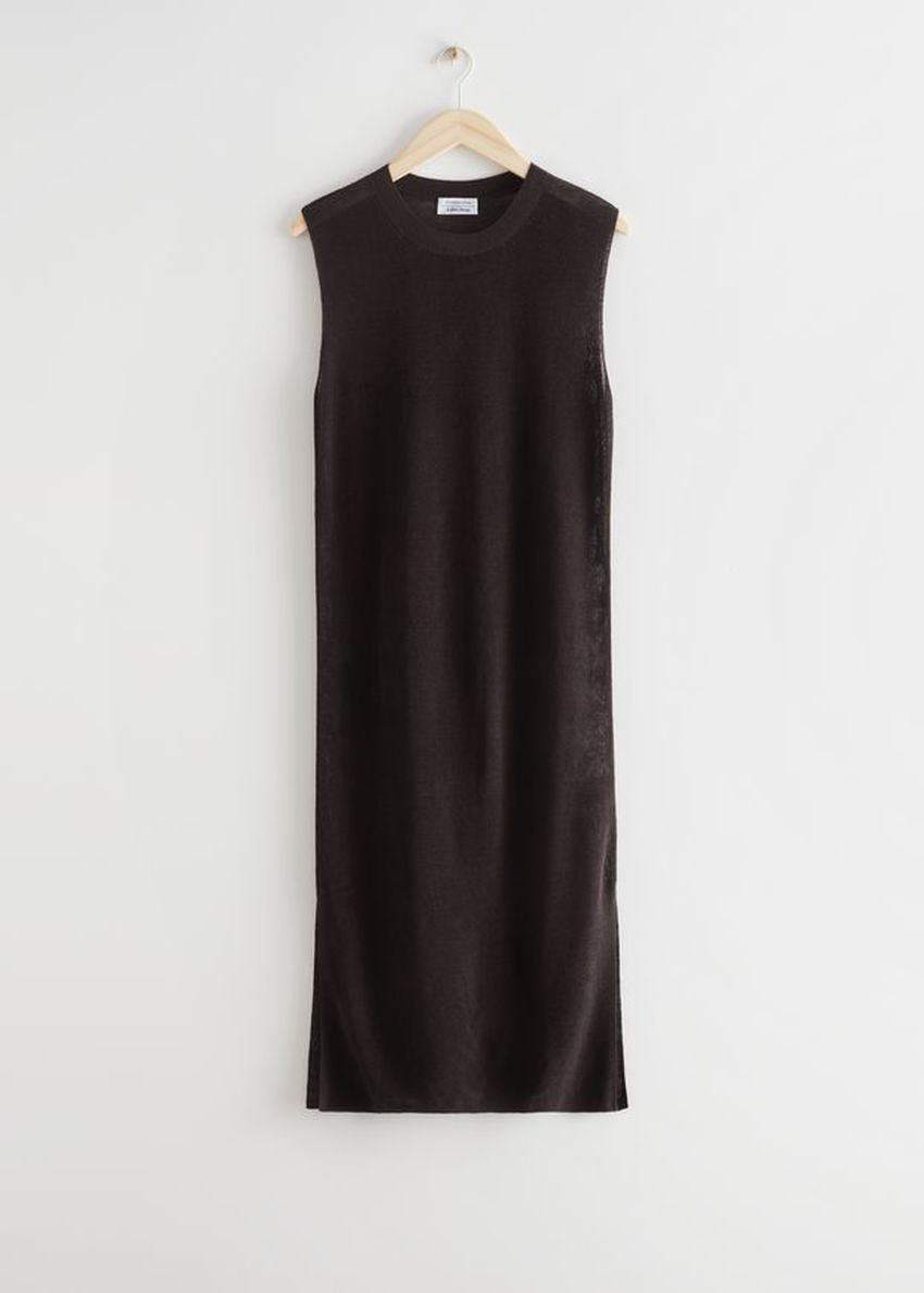 앤아더스토리즈 니트 리넨 미디 드레스의 다크 브라운컬러 Product입니다.