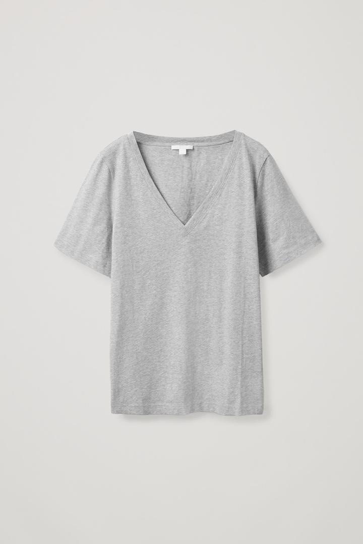 COS 브이넥 티셔츠의 그레이컬러 Product입니다.