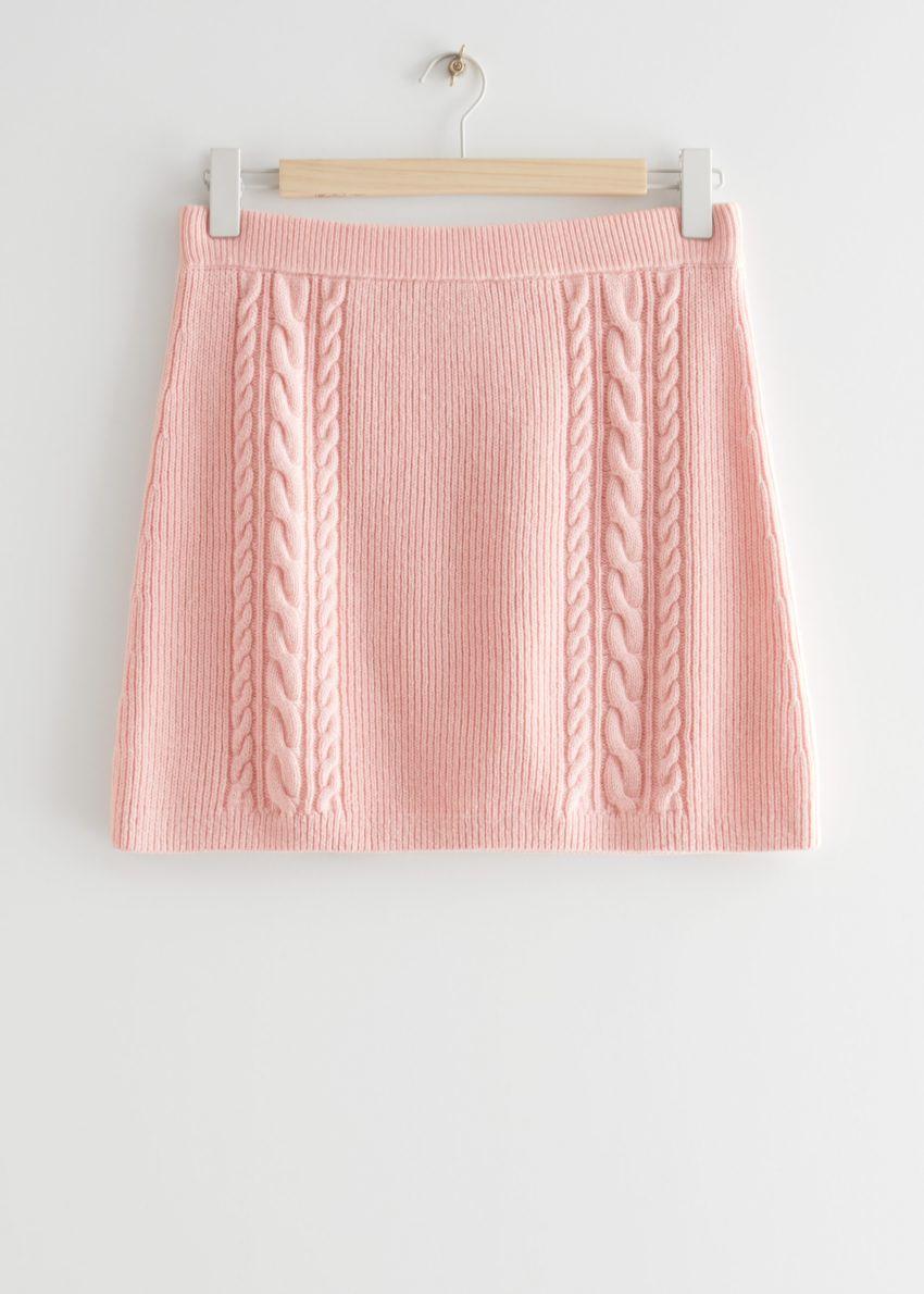 앤아더스토리즈 케이블 니트 미니 스커트의 핑크컬러 Product입니다.