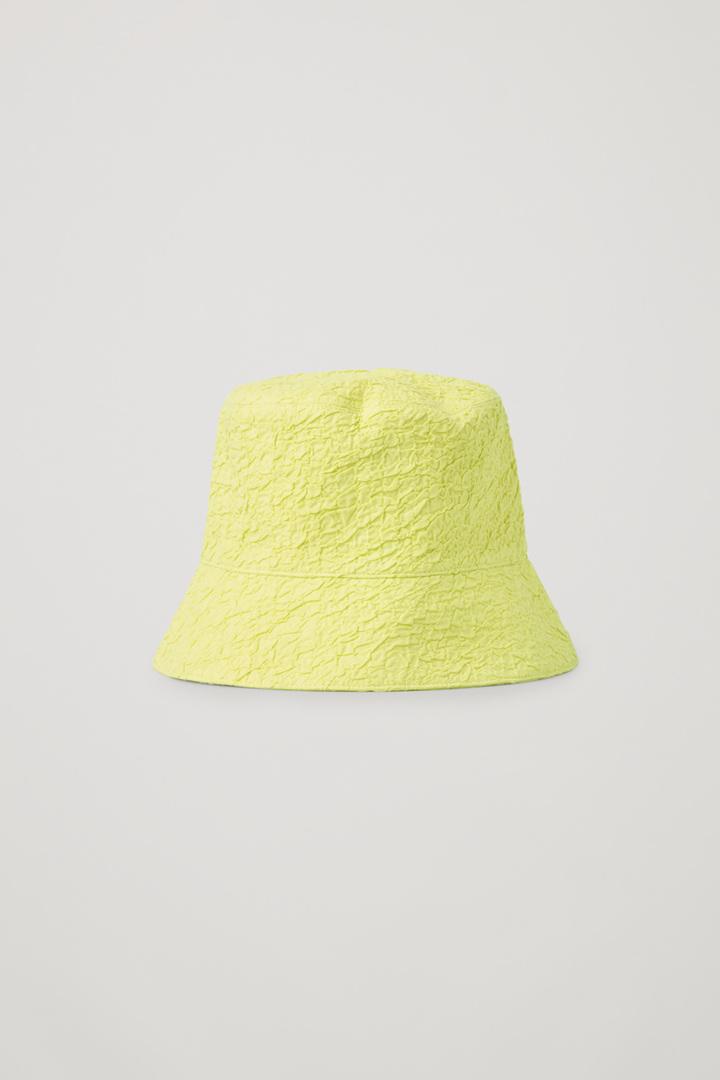 COS default image 3 of 옐로우 in 크링클드 버킷 햇