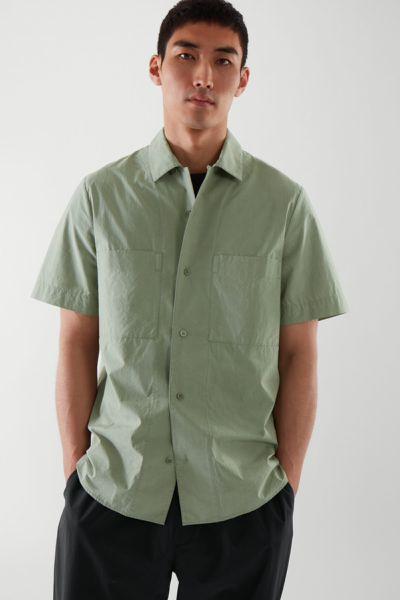 COS default image 1 of  in 쇼트 슬리브 캠프 칼라 셔츠