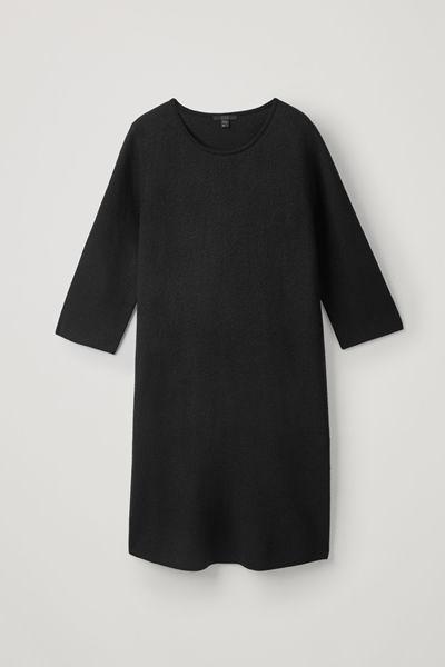 COS default image 8 of 블랙 in 리브드 백 메리노 드레스
