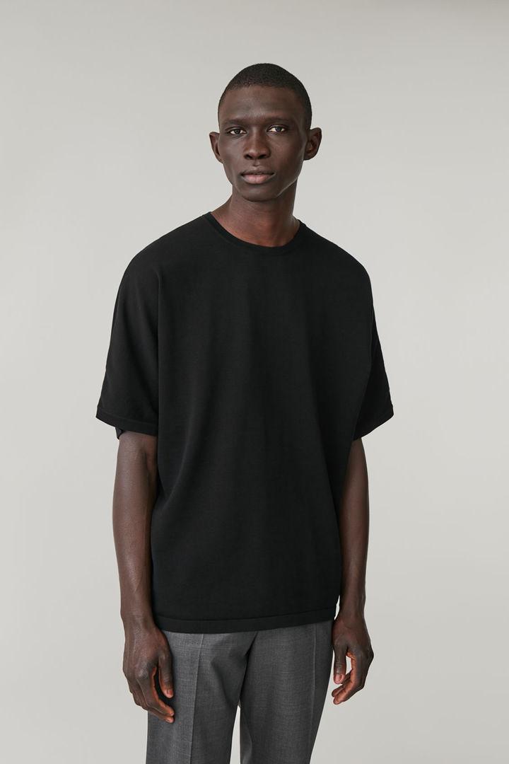 COS default image 7 of 블랙 in 릴랙스드 니티드 티셔츠