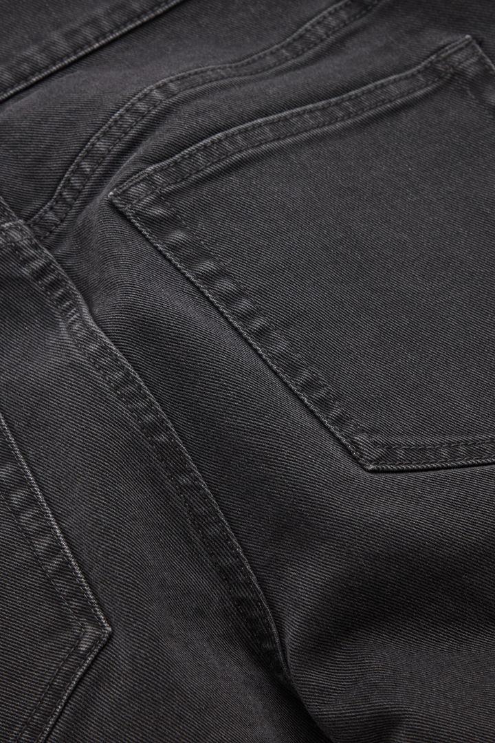 COS 슬림 핏 진의 그레이컬러 Detail입니다.