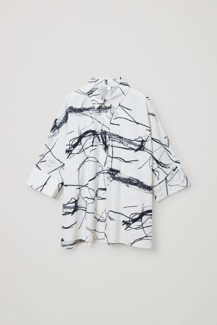 COS hover image 11 of 화이트 in 와이드 프린티드 코튼 셔츠