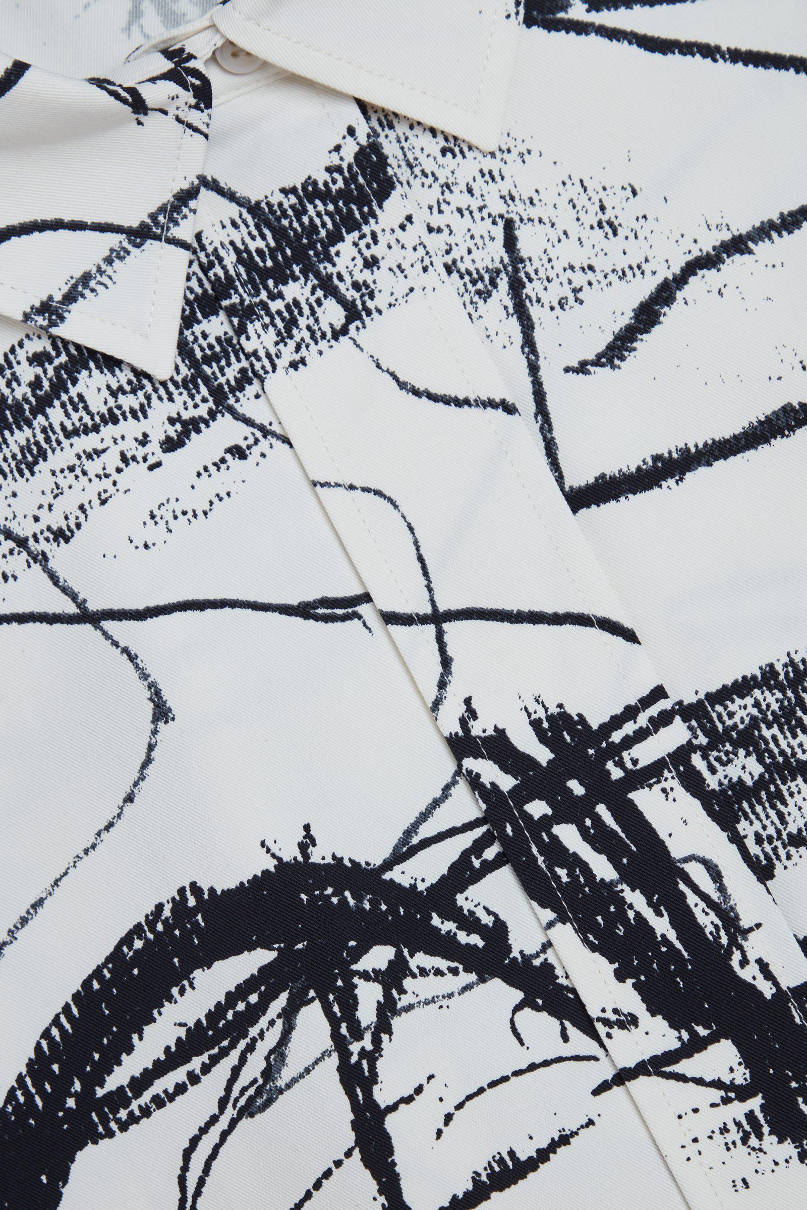 COS 와이드 프린티드 코튼 셔츠의 화이트 / 블랙컬러 Detail입니다.