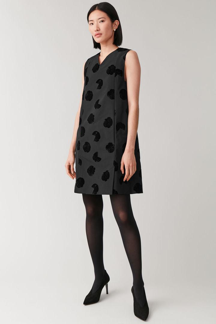 COS default image 9 of 블랙 in 프린티드 레이어링 드레스