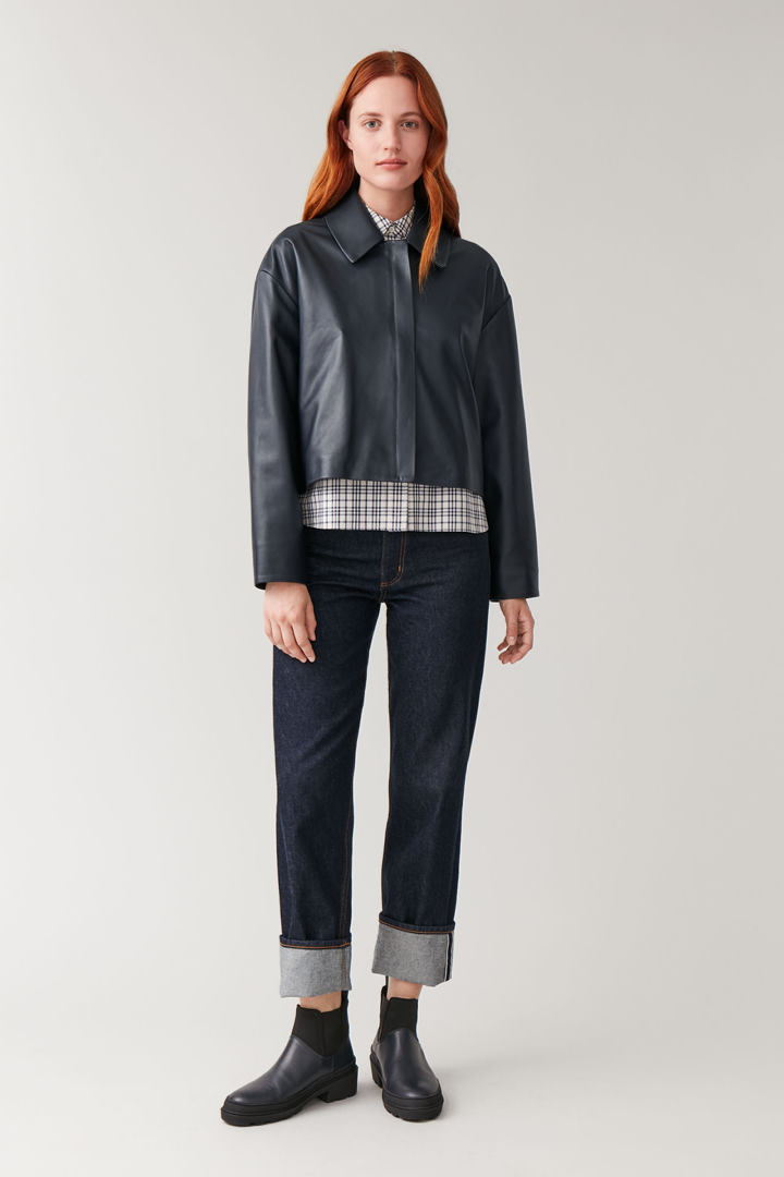 COS default image 3 of 블루 in 집업 레더 재킷