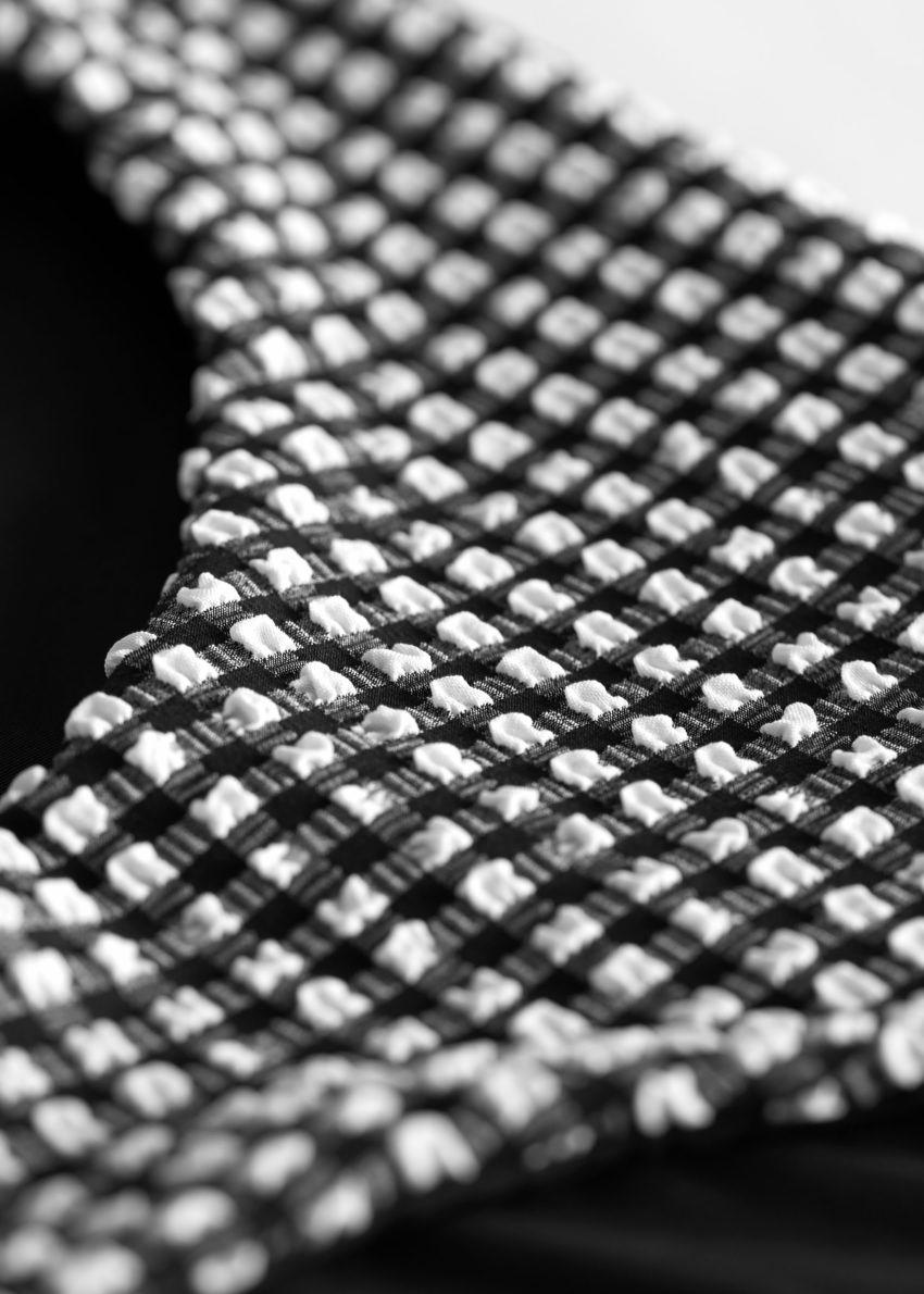 앤아더스토리즈 시어서커 비키니 브리프의 블랙 체크컬러 Detail입니다.