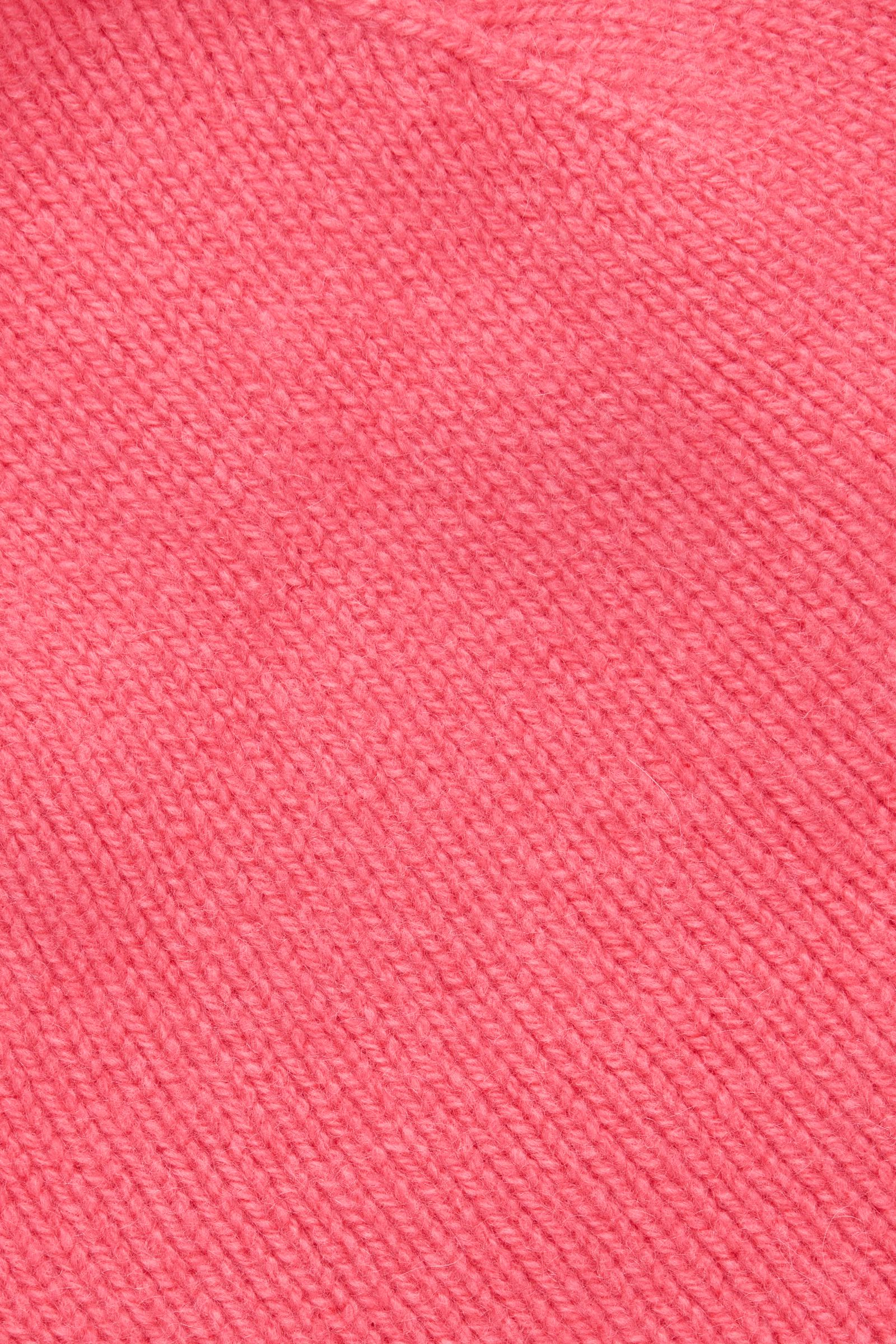 COS 캐시미어 비니의 브라이트 핑크컬러 Detail입니다.